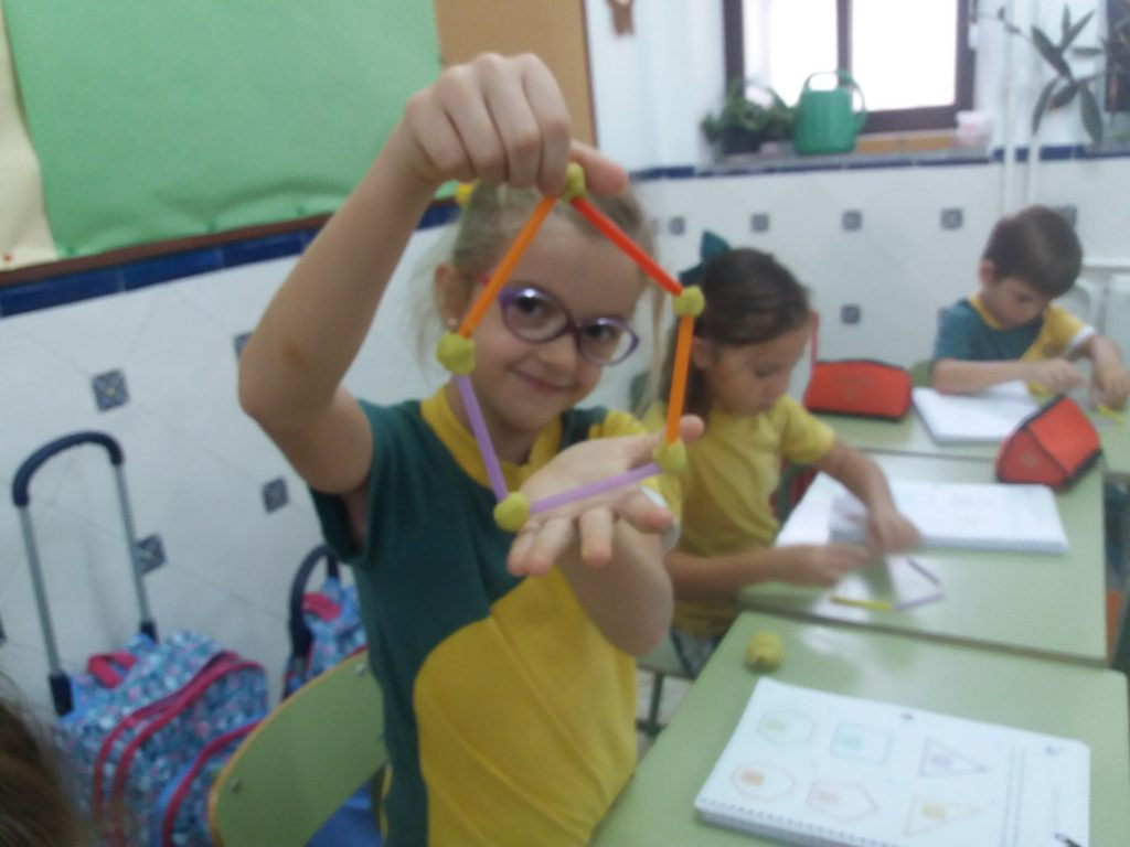 EMAT: aprendizaje manipulativo en Educación Primaria en el Colegio Virgen del Carmen de Córdoba (Carmelitas Desclazos)